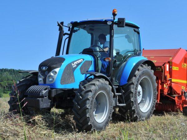 Traktorer og kompaktlastere